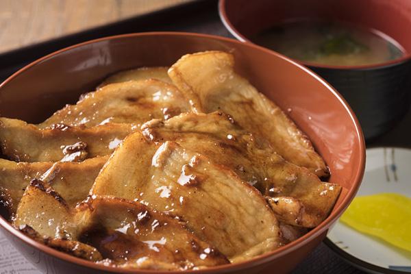 十勝素材で美味しい豚丼と麺 とん風 TON-FU(ガーデンスパ十勝川温泉内)